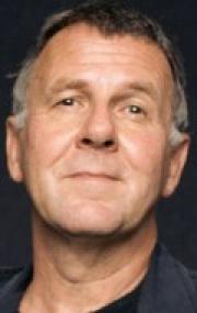 Том Уилкинсон